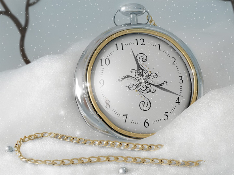 Relaxing Christmas moods with a Silver Clock.